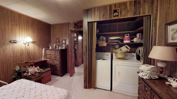 409 Laurel Ct Master Bedroom2