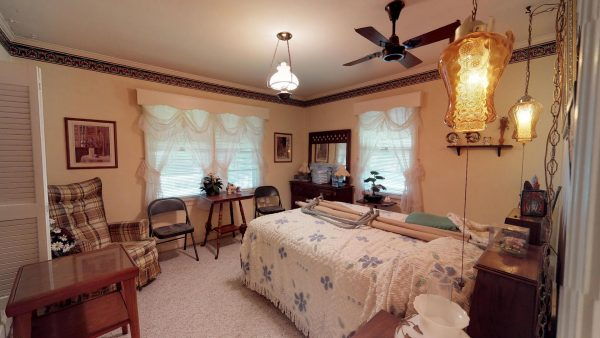 409 Laurel Ct 3rd Bedroom Items